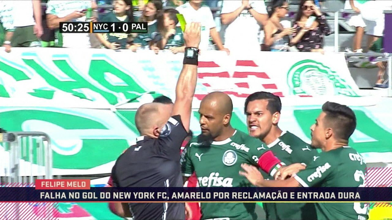 Comentaristas falam sobre atuação de Felipe Melo como zagueiro