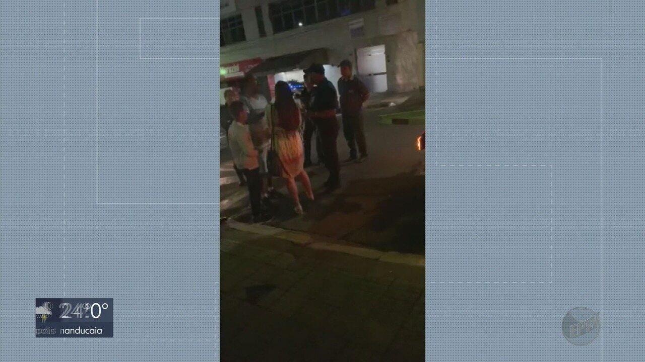 Vídeo que mostra prefeito pedindo para liberar carro apreendido viraliza em Poços