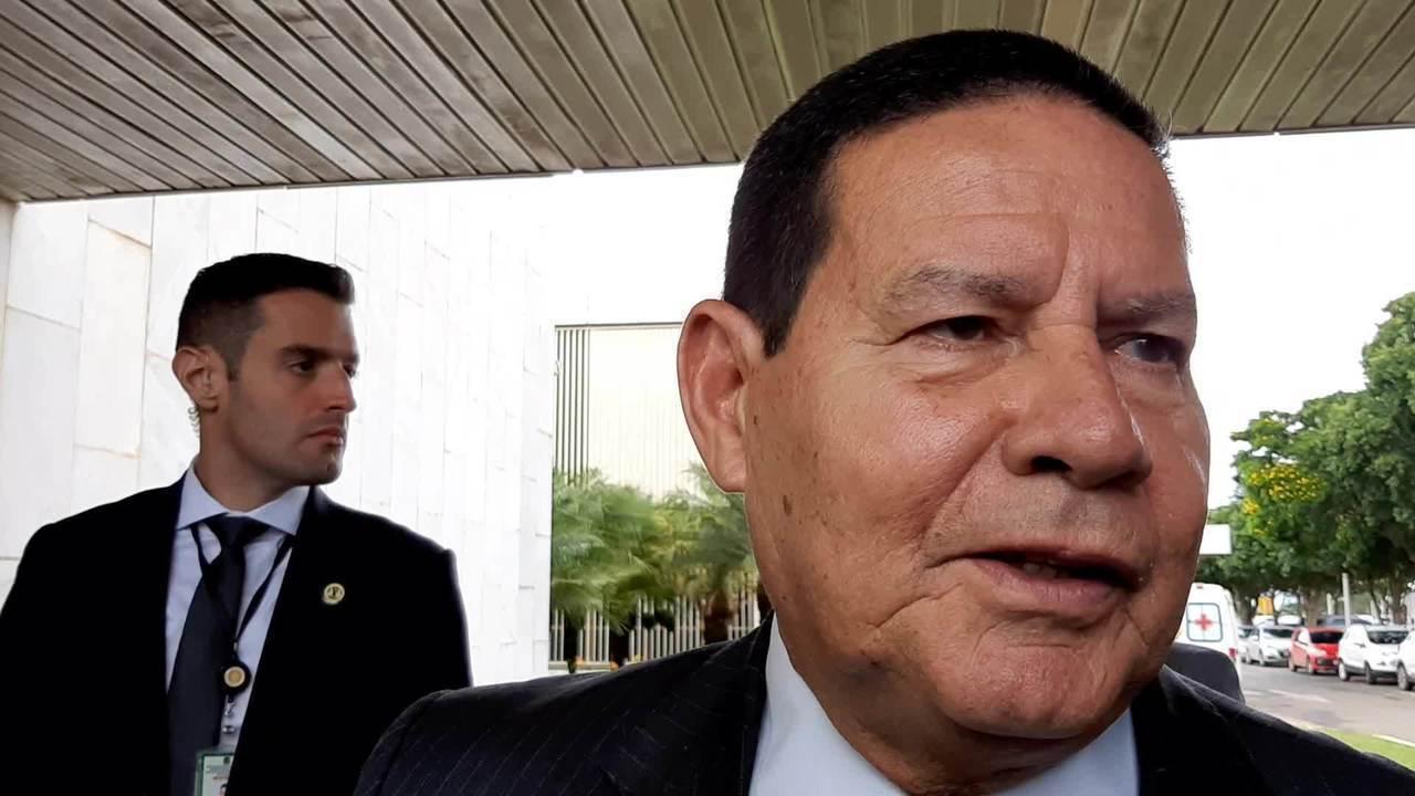 Mourão disse que governo pode optar por convocar militares da reserva para atuar no INSS