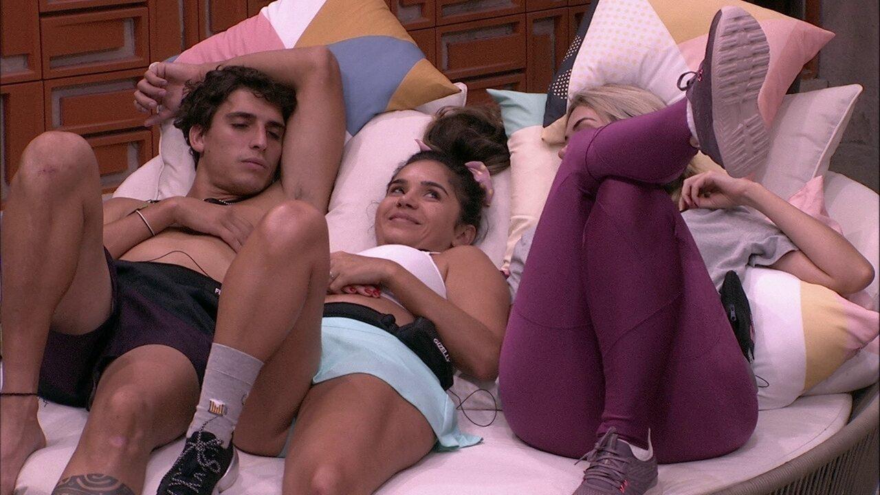 Felipe diz que prefere morenas e Gizelly dispara: 'Tenho chances'