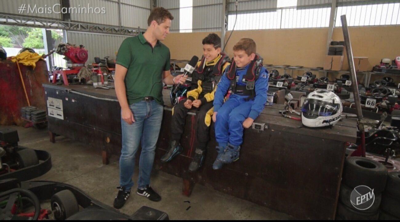 Pedro Leonardo se aventura andando de kart com a criançada
