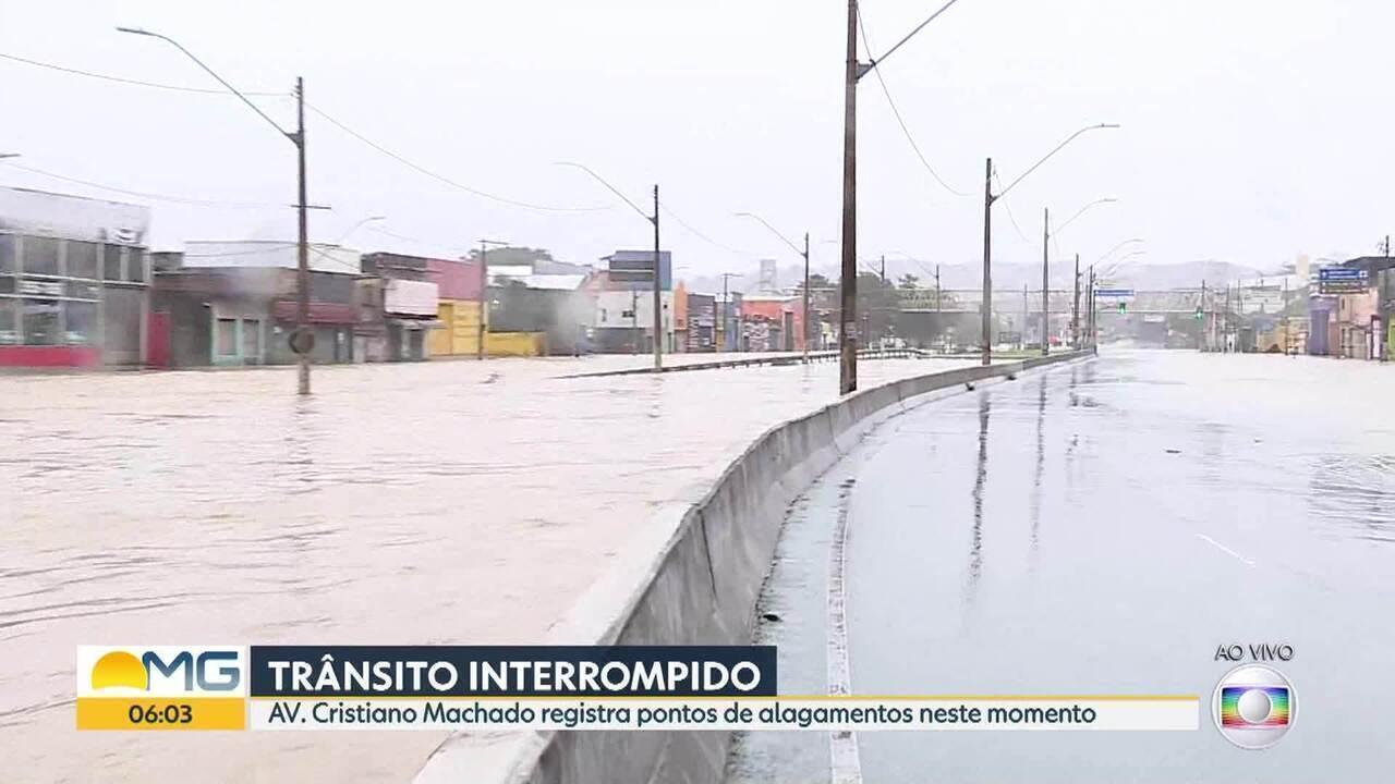 Avenida Cristiano Machado, na Região Norte de BH, amanhece alagada nesta sexta-feira