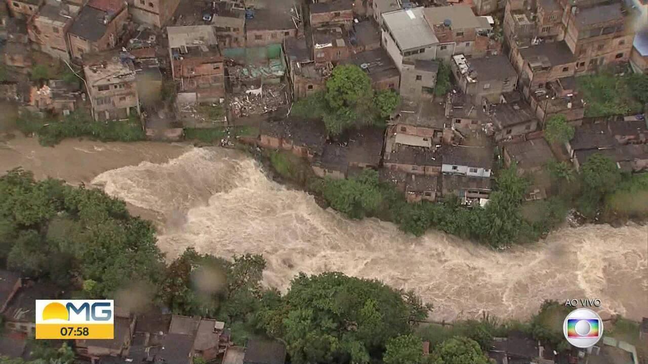 Nível alto do Córrego do Onça forma 'cachoeira' na Região Norte de BH