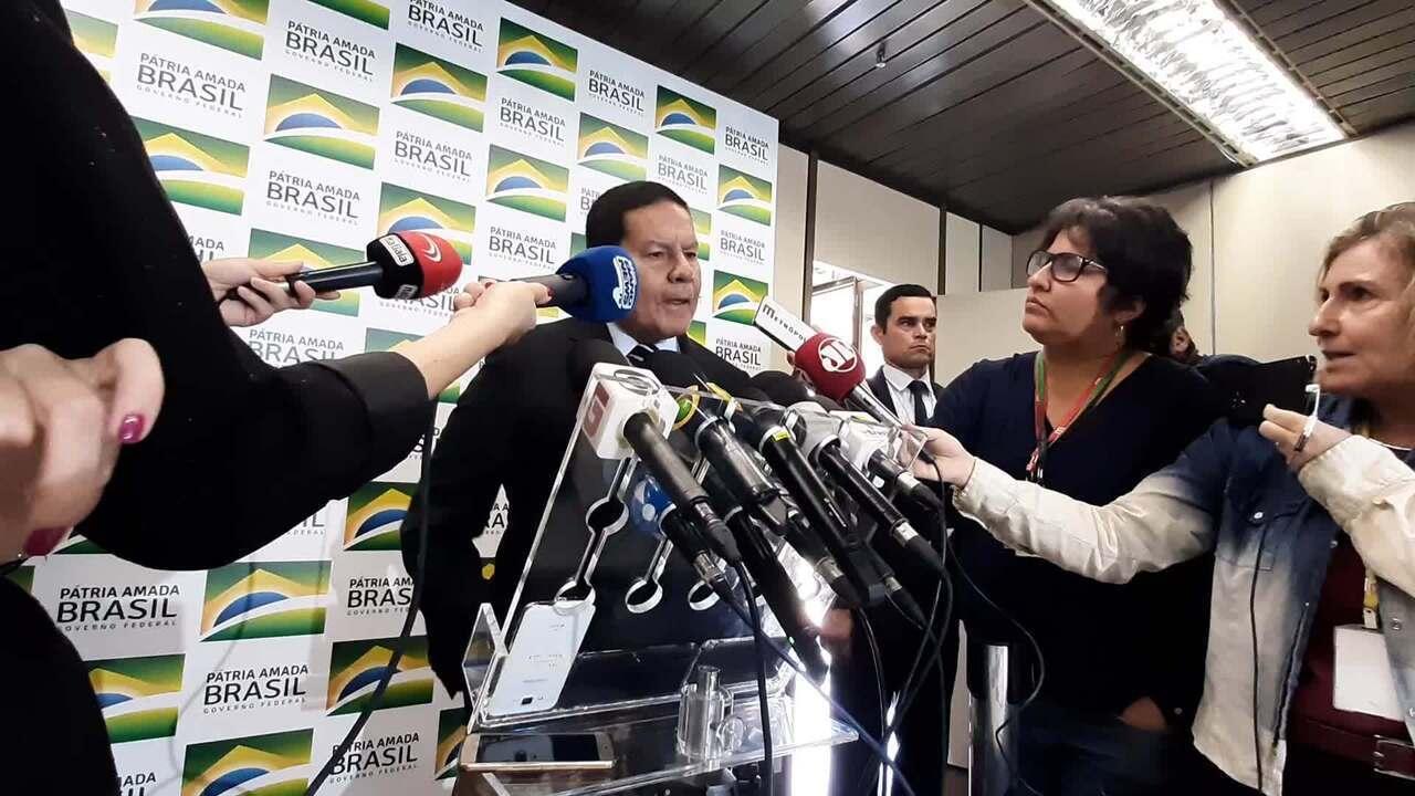 Mourão: ideia do governo é contratar ex-servidores do INSS para reduzir fila de pedidos