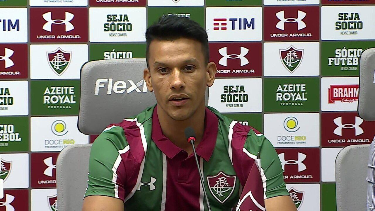 """Henrique fala sobre a saída do Cruzeiro durante a apresentação no Fluminense: """"Tenho um carinho muito grande pelo clube"""""""