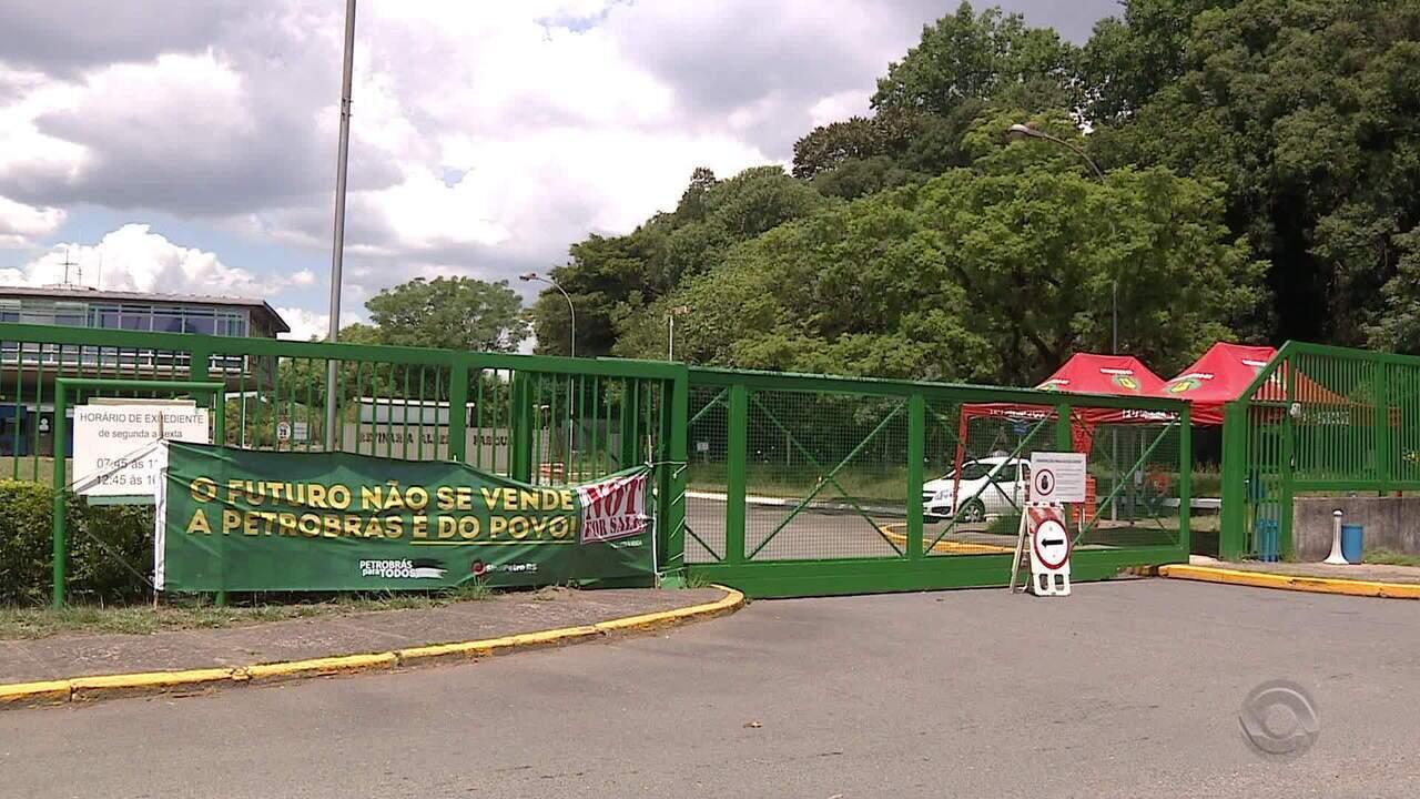Petroleiros decidem entrar em greve após fechamento de fábrica de fertilizantes