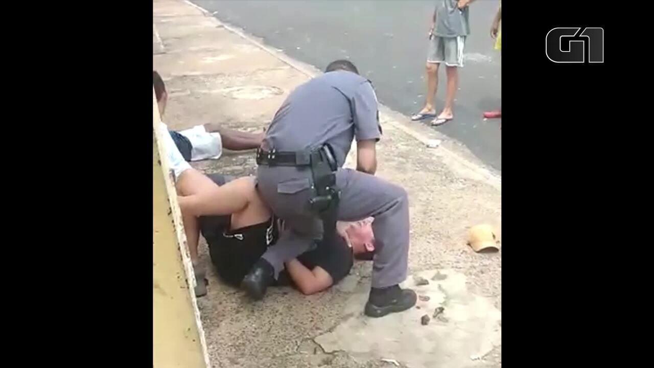 Policial militar é flagrado agredindo grávida durante abordagem em Rio Preto