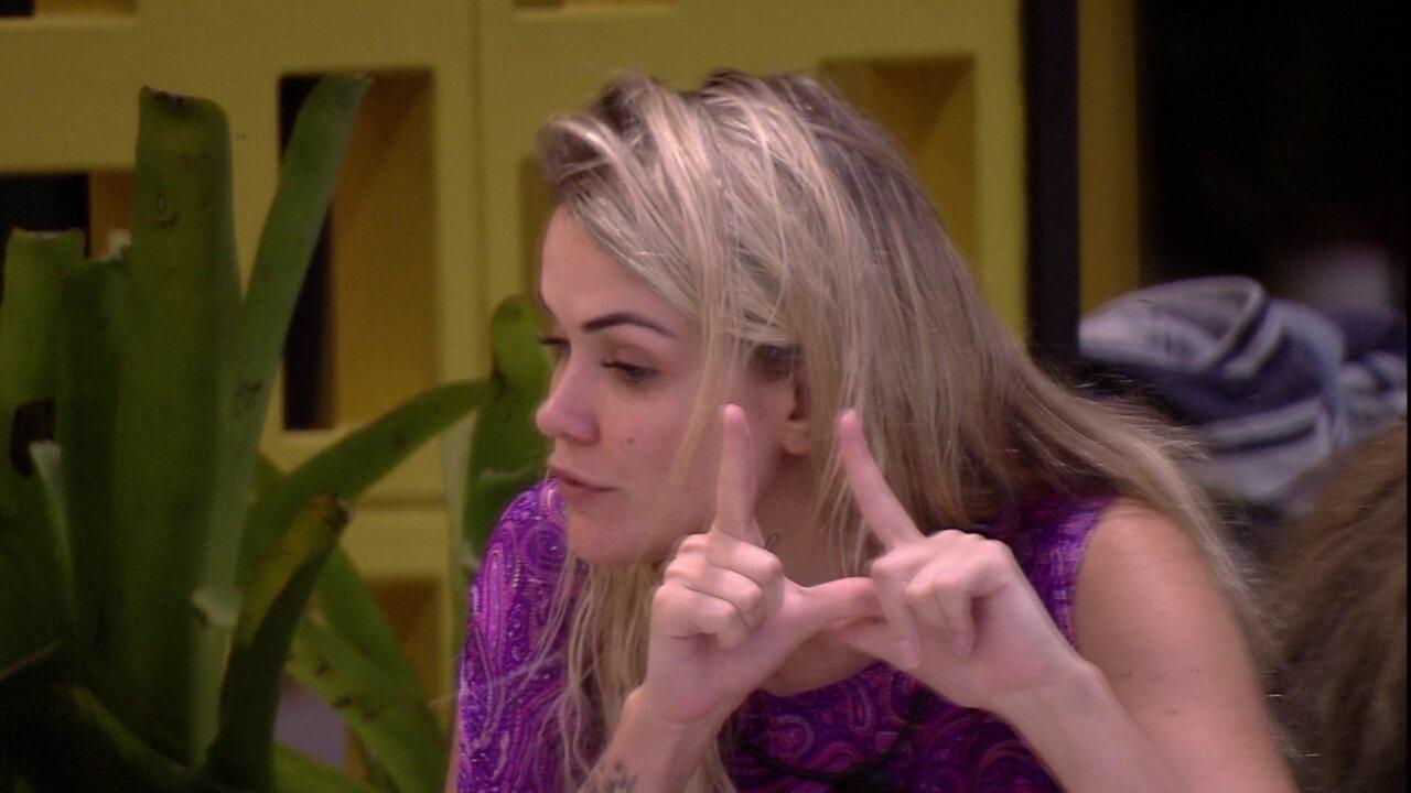 Marcela defende Gizelly para Flayslane: 'Não acho ela uma menina má'