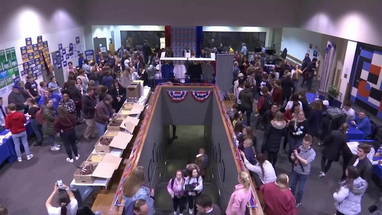 Democratas seguem para 2ª prévia sem definição em Iowa