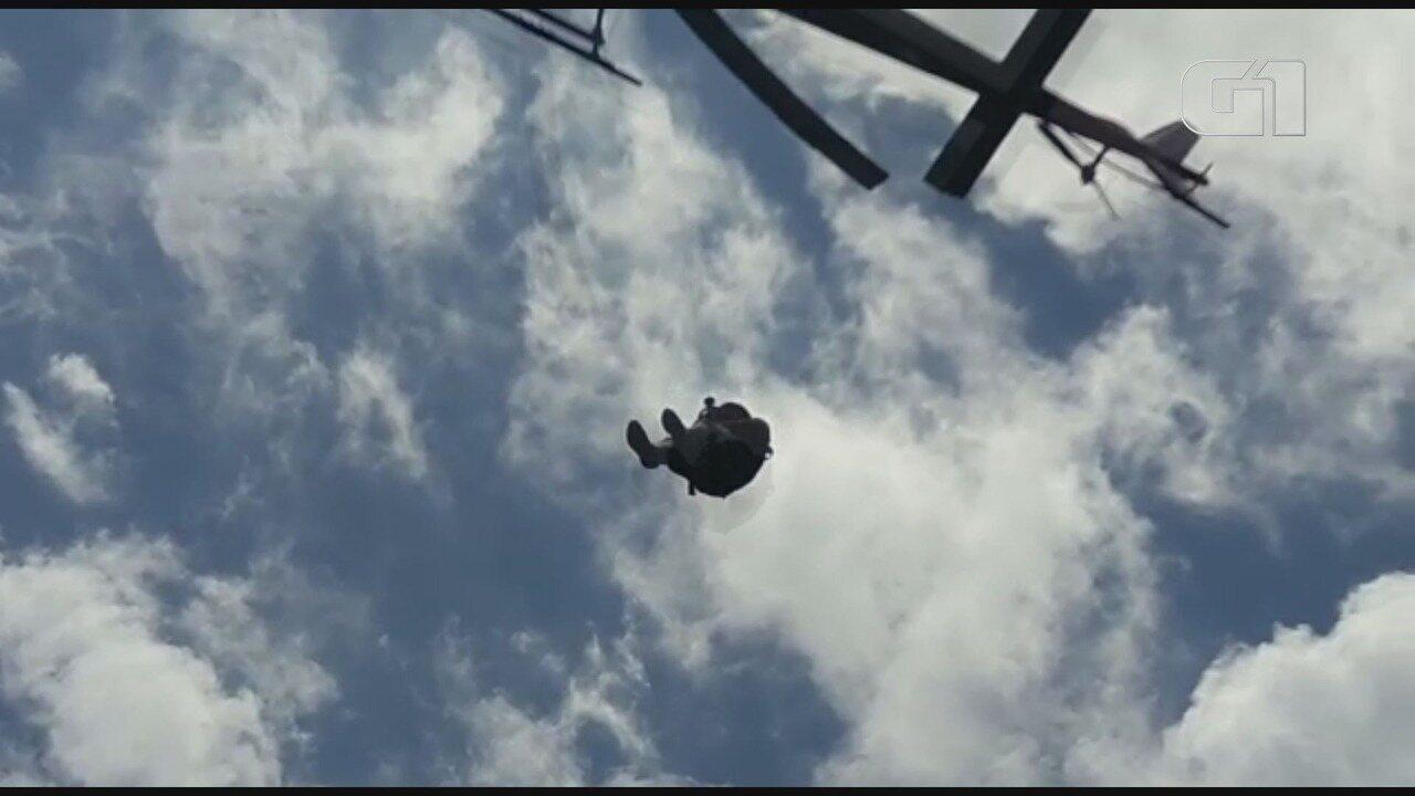 Corpo de Bombeiros resgata piloto de avião após acidente em Itariri