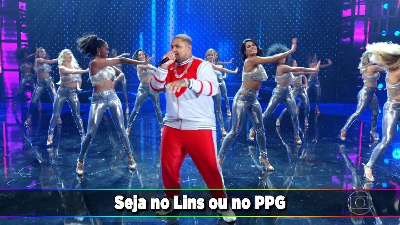 """Kevin O Cris canta """"Evoluiu"""" no palco do Domingão"""