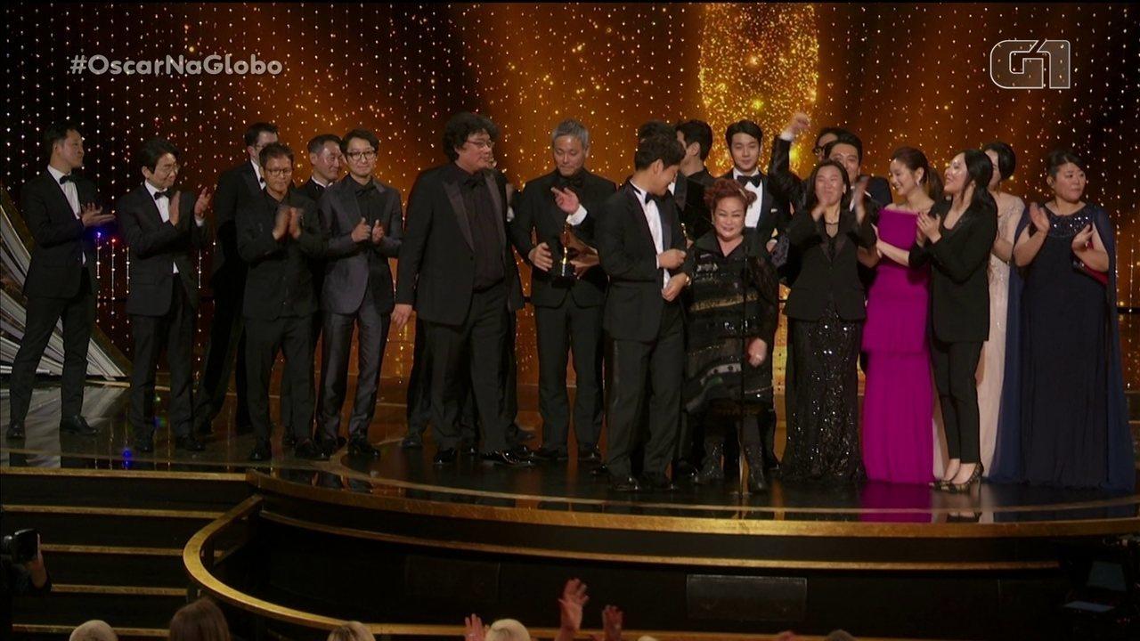 """""""Parasita"""" vence o Oscar de melhor filme e fecha a noite com quatro premiações"""