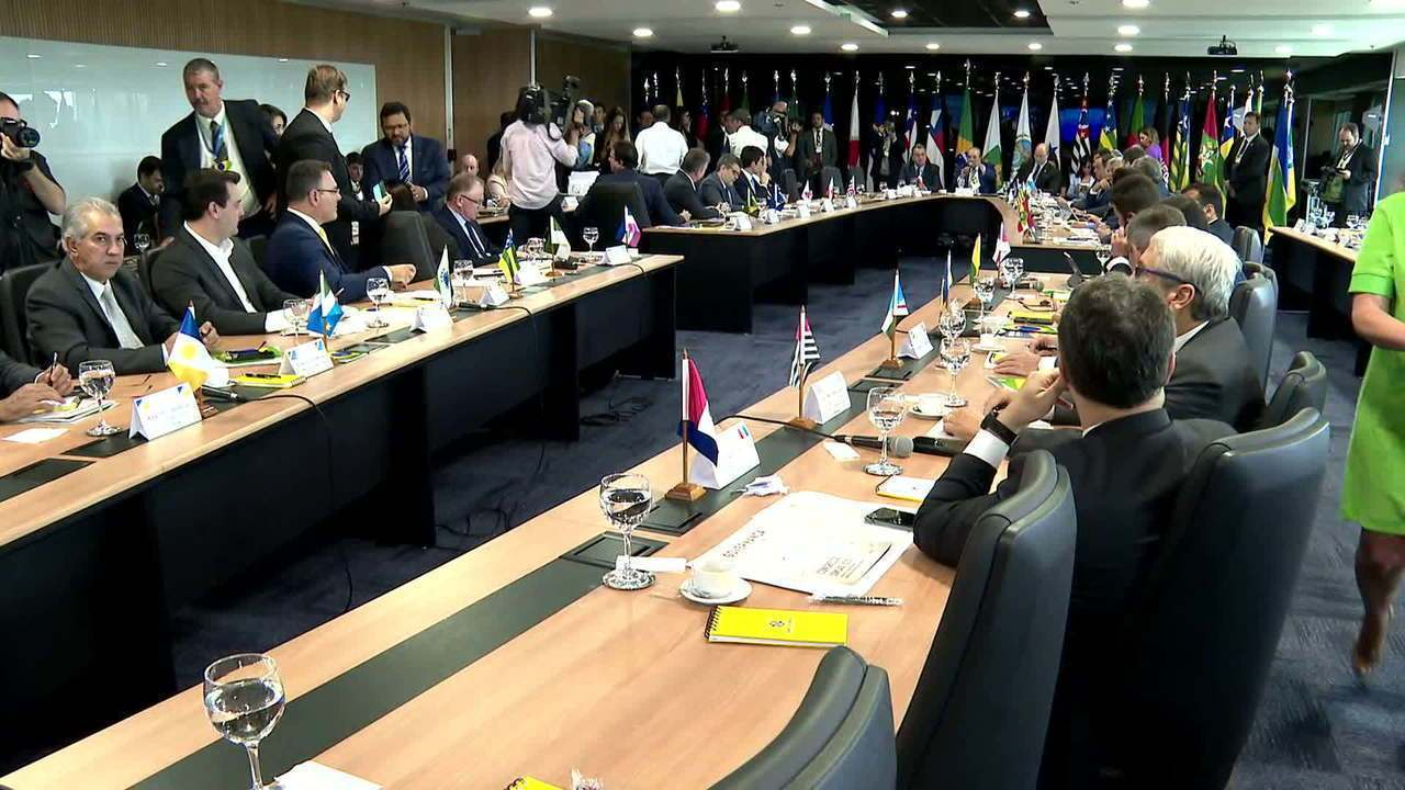 Governadores admitem discutir mudança no ICMS sobre combustíveis na reforma tributária