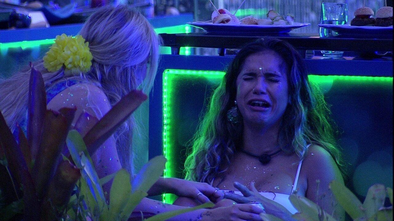 Gizelly chora, ouve declaração de Marcela e pede para ficar sozinha