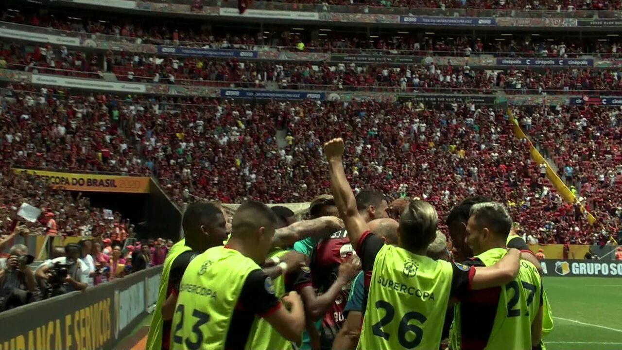 Gol do Flamengo! Bruno Henrique invade a área e Santos desvia. Na sobra, Arrascaeta manda para o gol, aos 23' do 2º tempo
