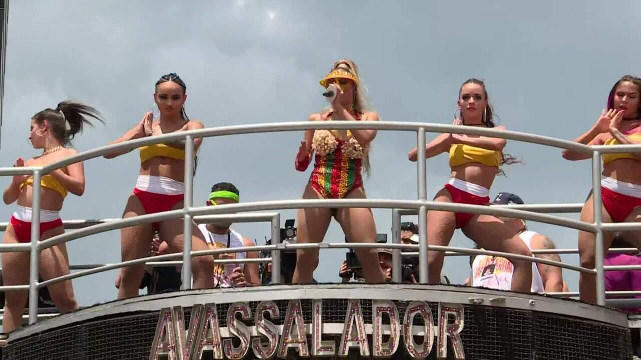 Pré-carnaval em São Paulo tem domingo marcado pela diversidade