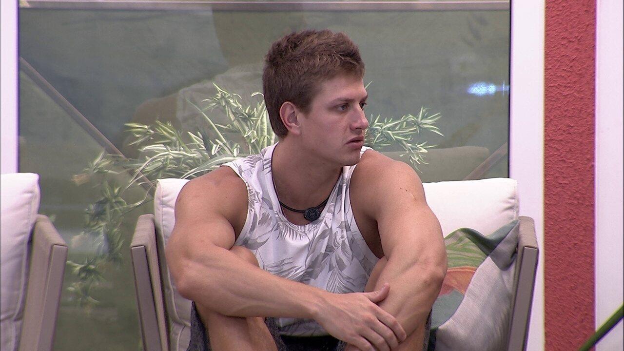 Lucas idealiza Final com Felipe: 'Quem tem perfil para ganhar sou eu e você'