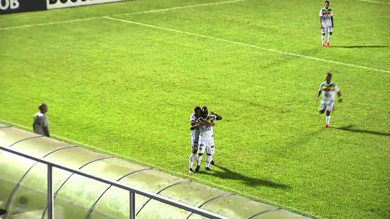 Dandan, narrador do SporTV, narra gol de Dandan, atacante do Brusque