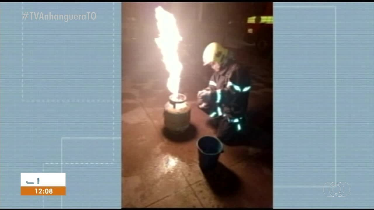 Botijão de gás pegou fogo dentro de panificadores em Dueré
