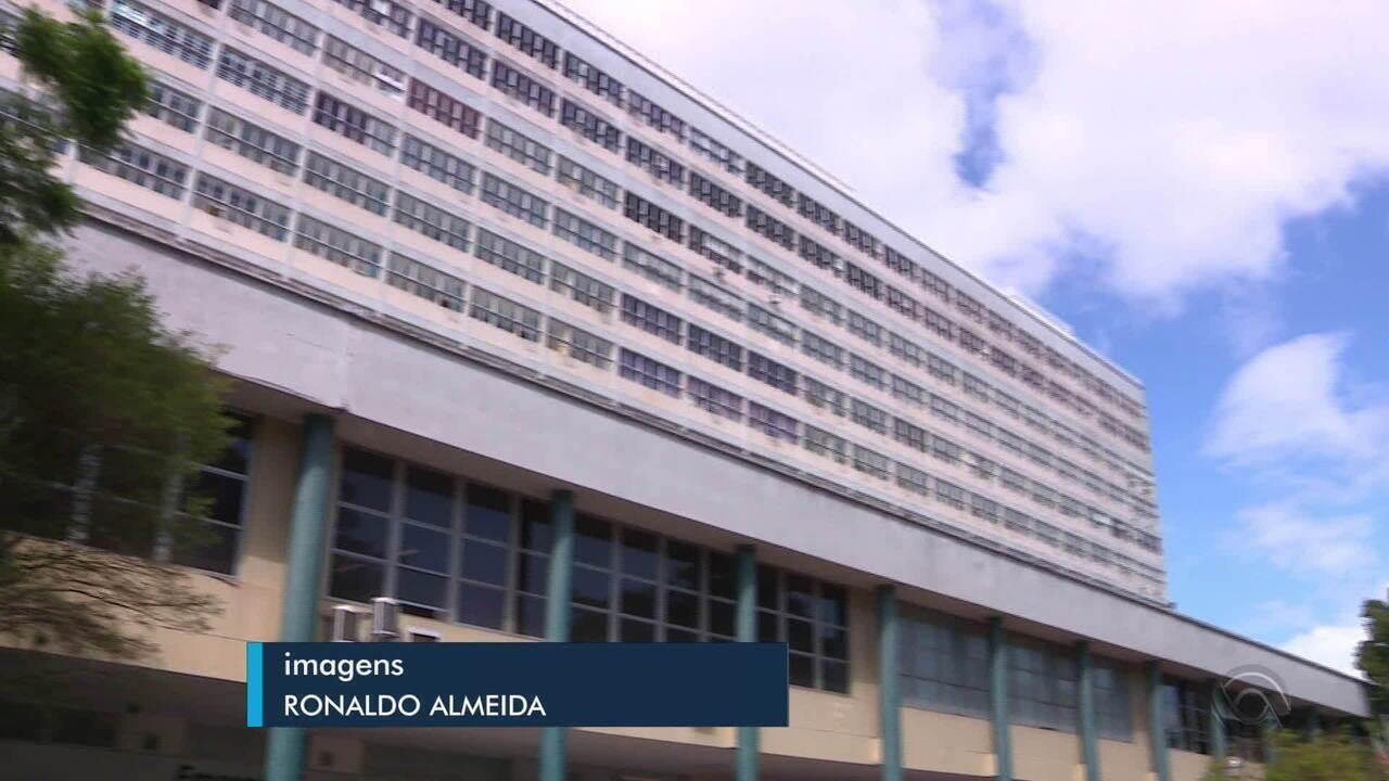 Dois dos principais hospitais de Porto Alegre estão com restrições no atendimento
