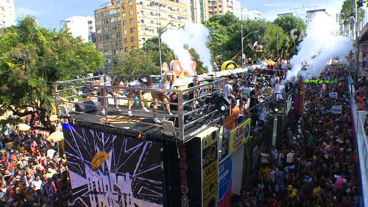 Banda O Poeta agita foliões no circuito do Campo Grande