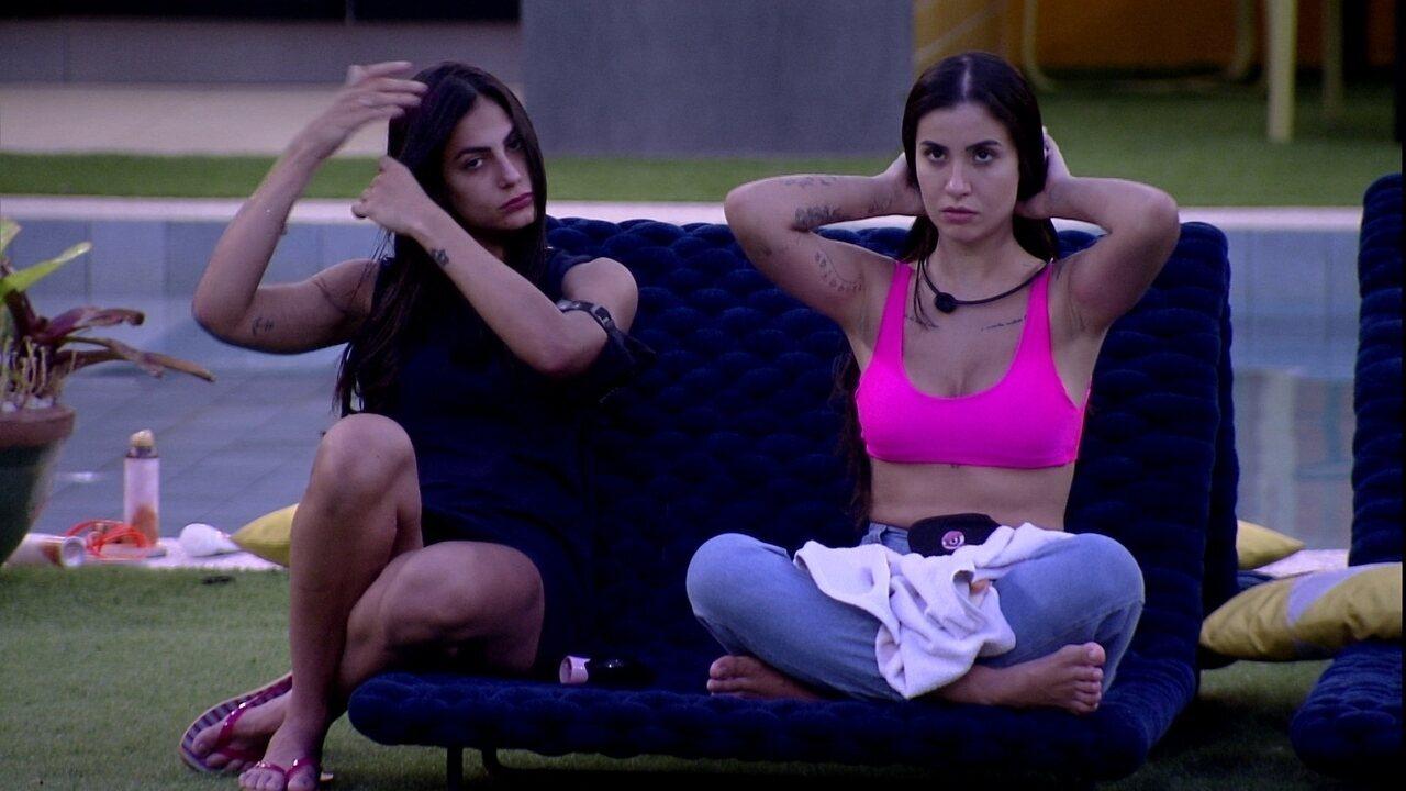 Mari comenta com Bianca sobre Paredão: 'Acho que vocês duas ficam'
