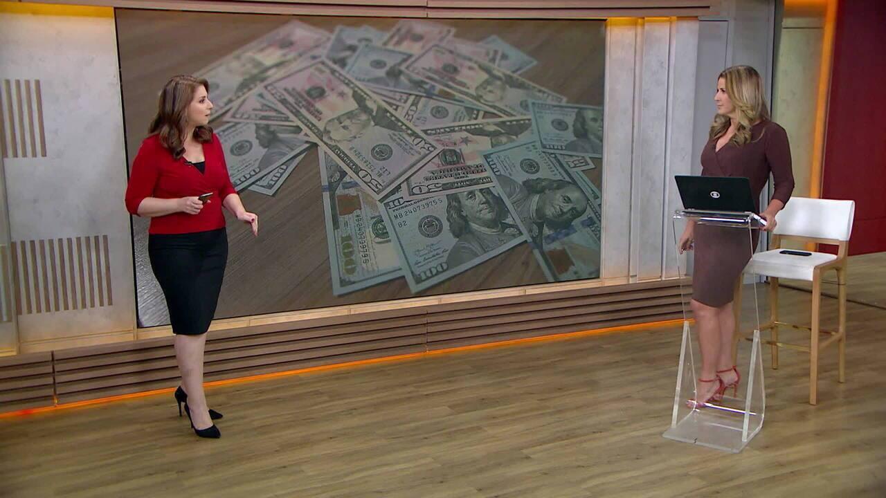 Dólar sobe 0,8% e fecha a R$ 4,47, após bater R$ 4,50