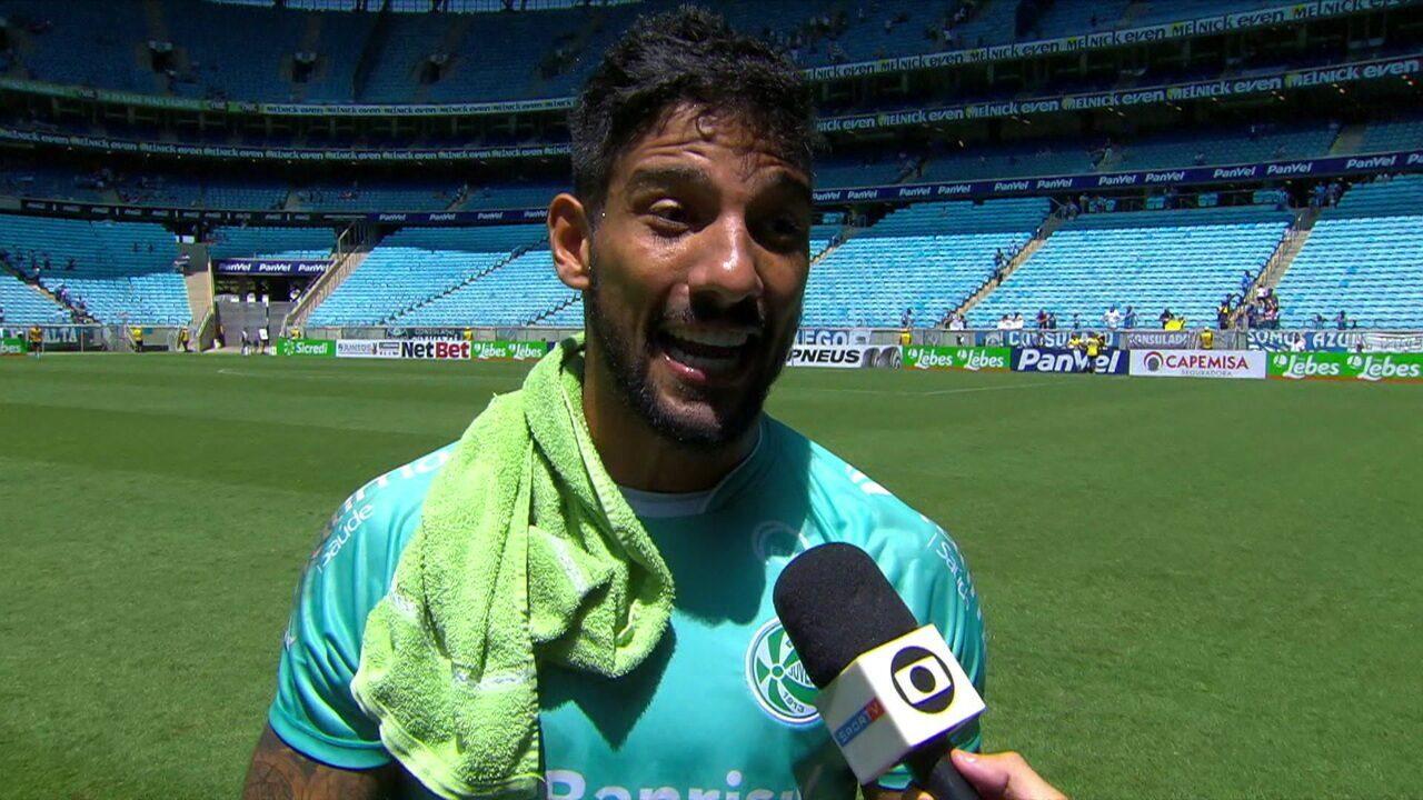 """Marcelo Carné ataca arbitragem de Anderson Daronco: """"Tenta se impor porque ele é malhado, forte, mas se encontra na rua, ele afina"""""""