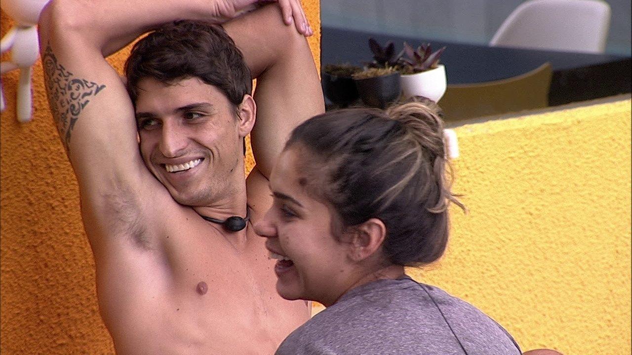 Felipe fala sobre a mãe e Gizelly diz: 'Ansiosa para conhecer ela'