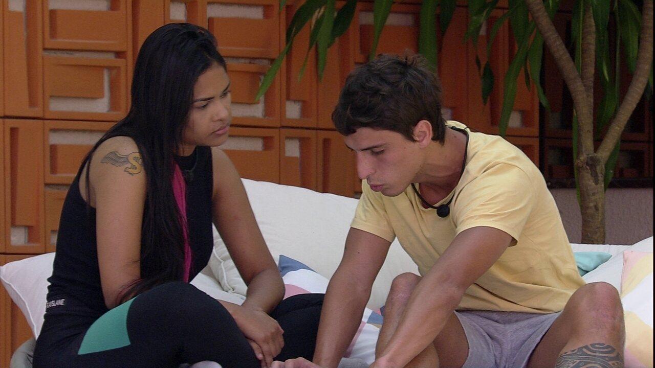 Felipe confidencia a Flayslane: 'Eu vou fazer uma parada hoje'