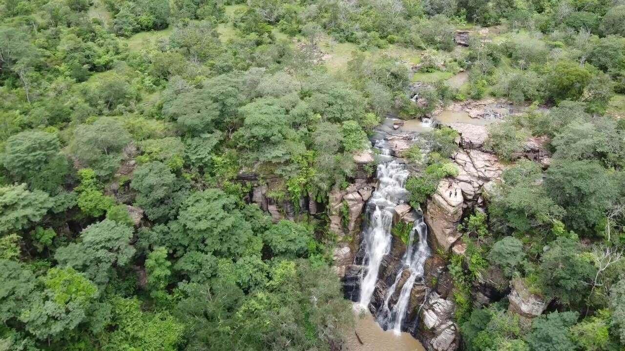 Cachoeiras e outras belezas naturais encantam quem passa pelo Vale do Sambito