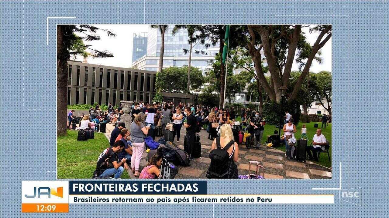 Catarinenses retornam ao Brasil após ficarem retidos no Peru