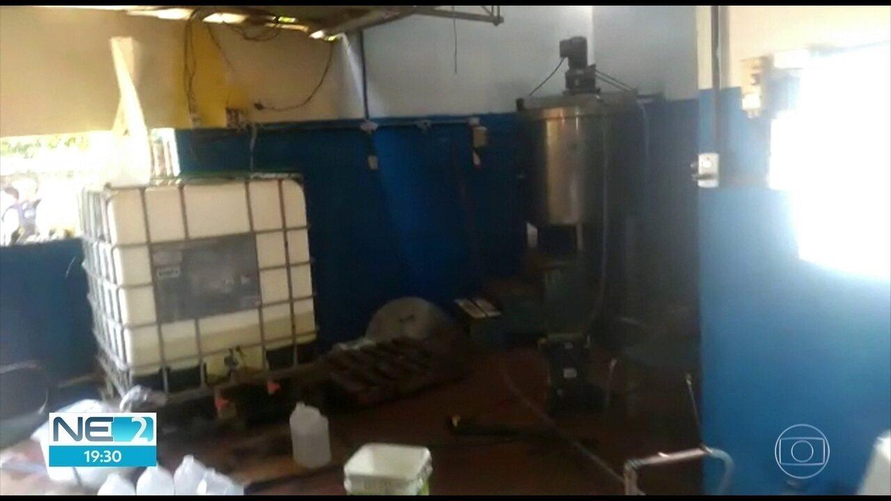 Fábrica clandestina de álcool em gel é interditada no Grande Recife
