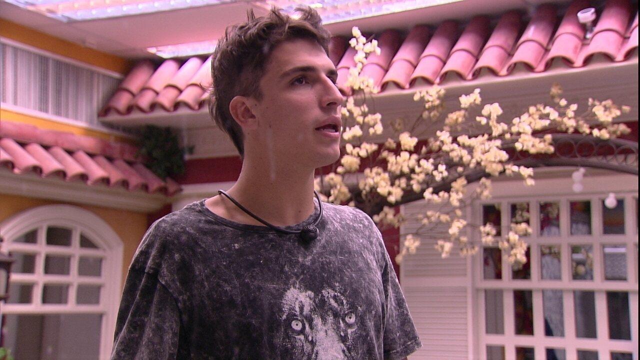 Felipe declara sobre jogo de sisters: 'Dá para ver que não é sincero'