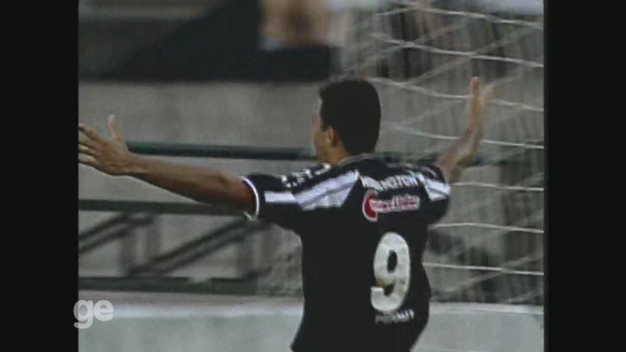 Washington faz os dois gols da Ponte Preta em vitória sobre o Rio Branco