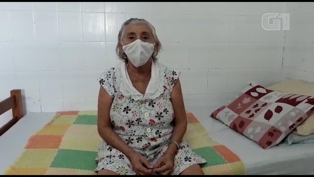 Ivone Velozo se recupera da Covid-19 e voltam para abrigo, em João Pessoa
