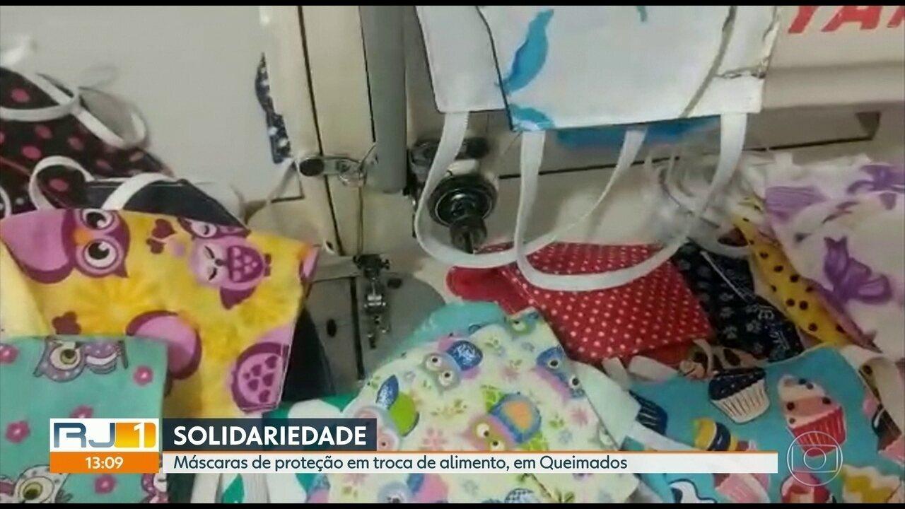Costureiras se unem e fazem máscaras de proteção em troca de alimentos em Queimados