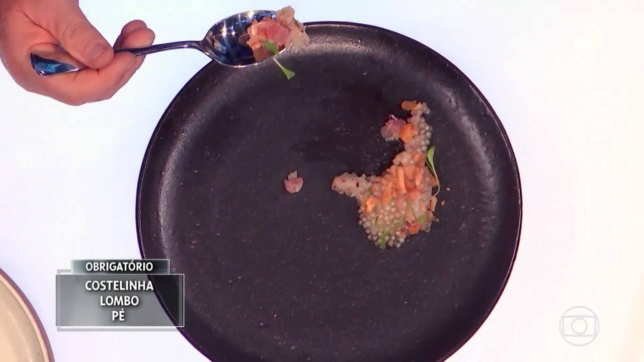 Claude e Batista ficam intrigados com elemento de prato