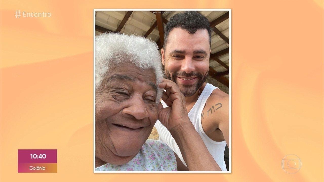 Rodrigo Sant'Anna passa quarentena com a avó e conta como ela o inspira na carreira