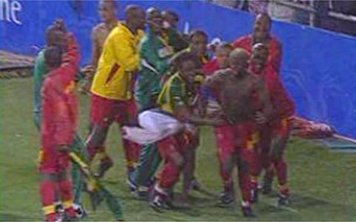 Em 2000, Camarões elimina Brasil nas quartas-de-final dos Jogos de Sydney