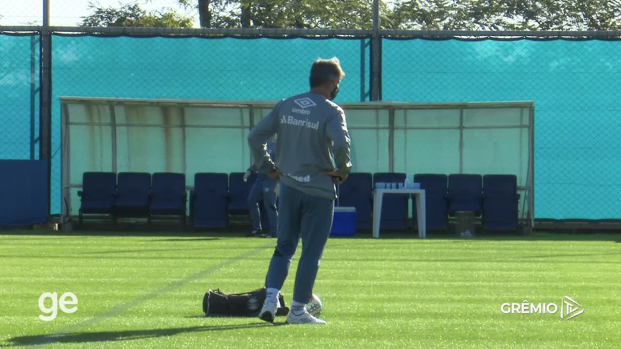Confira imagens de Renato Gaúcho em seu primeiro treino após pausa no futebol