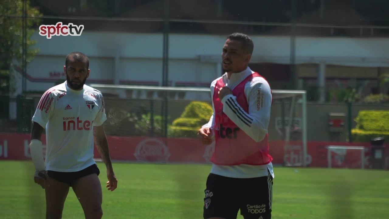 Veja o treino de Luciano e Daniel Alves, desta quinta-feira, 24 de setembro
