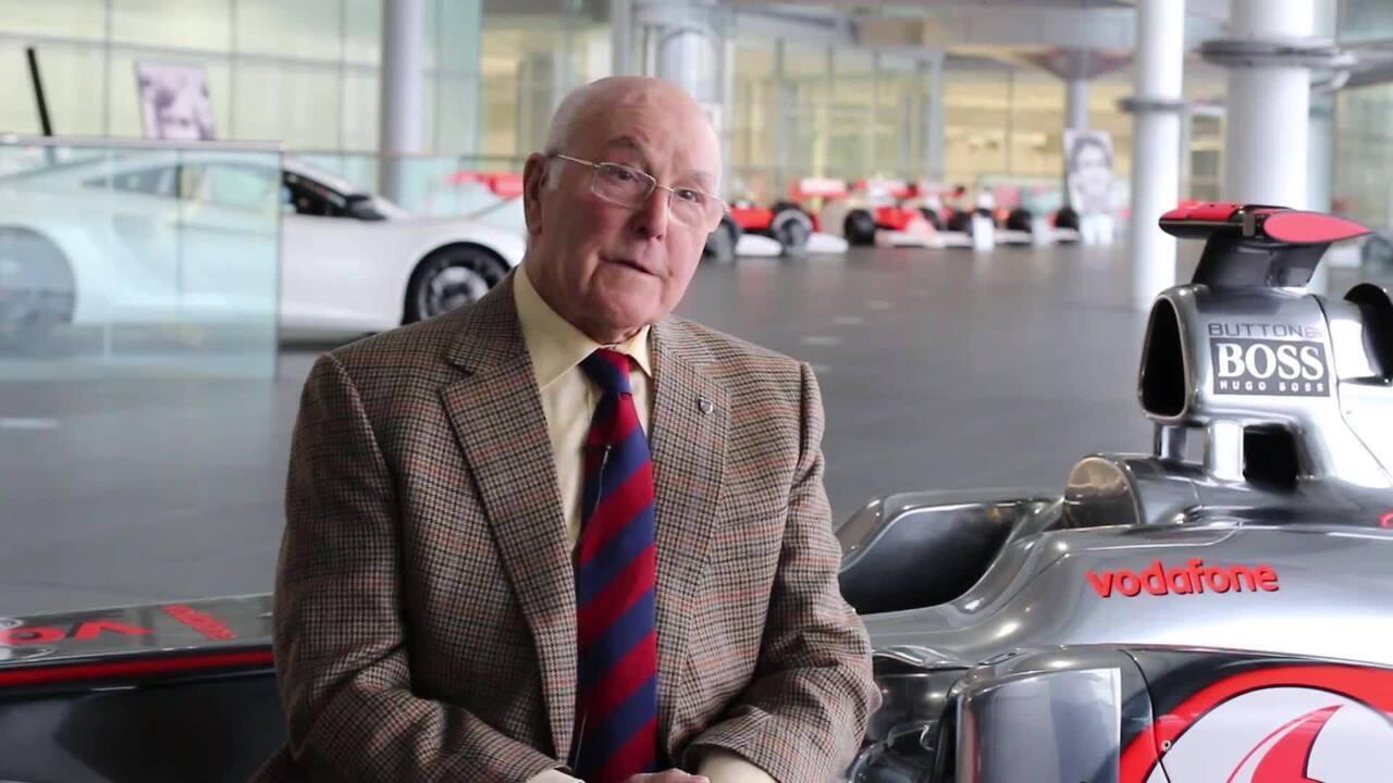 Murray Walker fala, em entrevista à McLaren, sobre seus anos ao lado de James Hunt