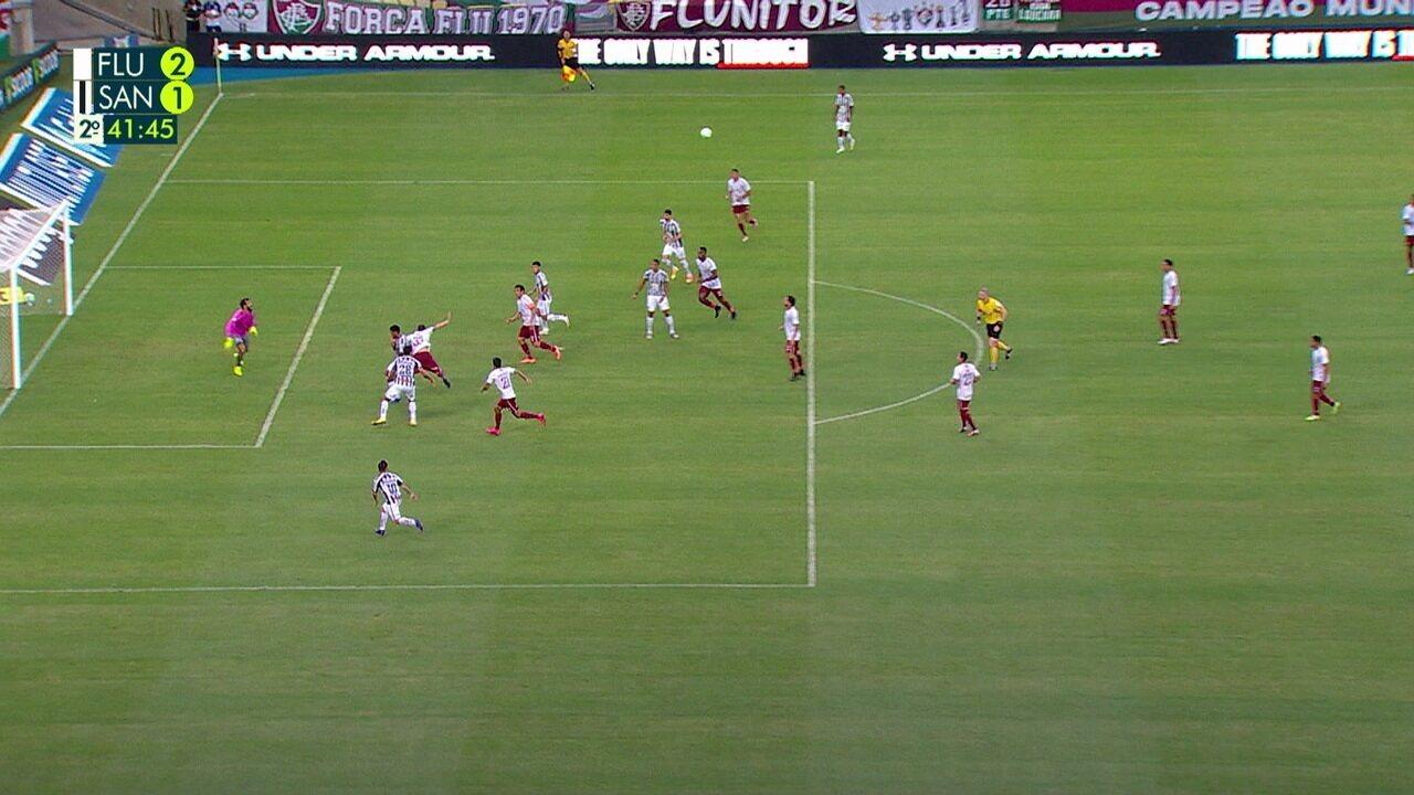 Não Valeu! Santos chega a marcar um belo gol, mas jogada é anulada, aos 42 do 2º tempo