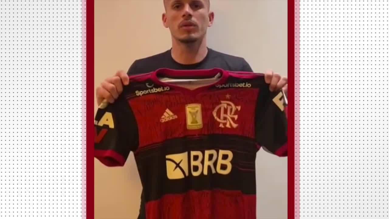 Renê doa camisa do Flamengo para ajudar Picos a ter dinheiro para terminar o Piauiense