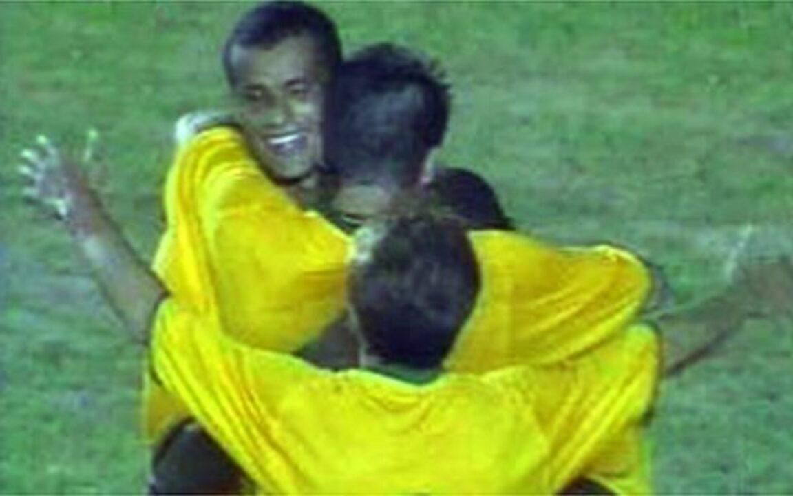 Relembre o jogo em que o Brasil confirmou a vaga na Copa do Mundo de 2002