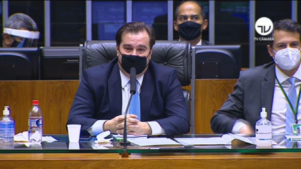 Emocionado, Rodrigo Maia se despede: 'As brigas passaram'
