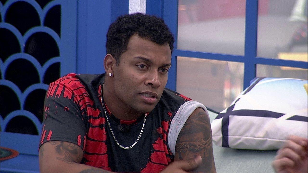 Nego Di diz que tiraria Gilberto do Vip: 'Ela é muito ensaboado'