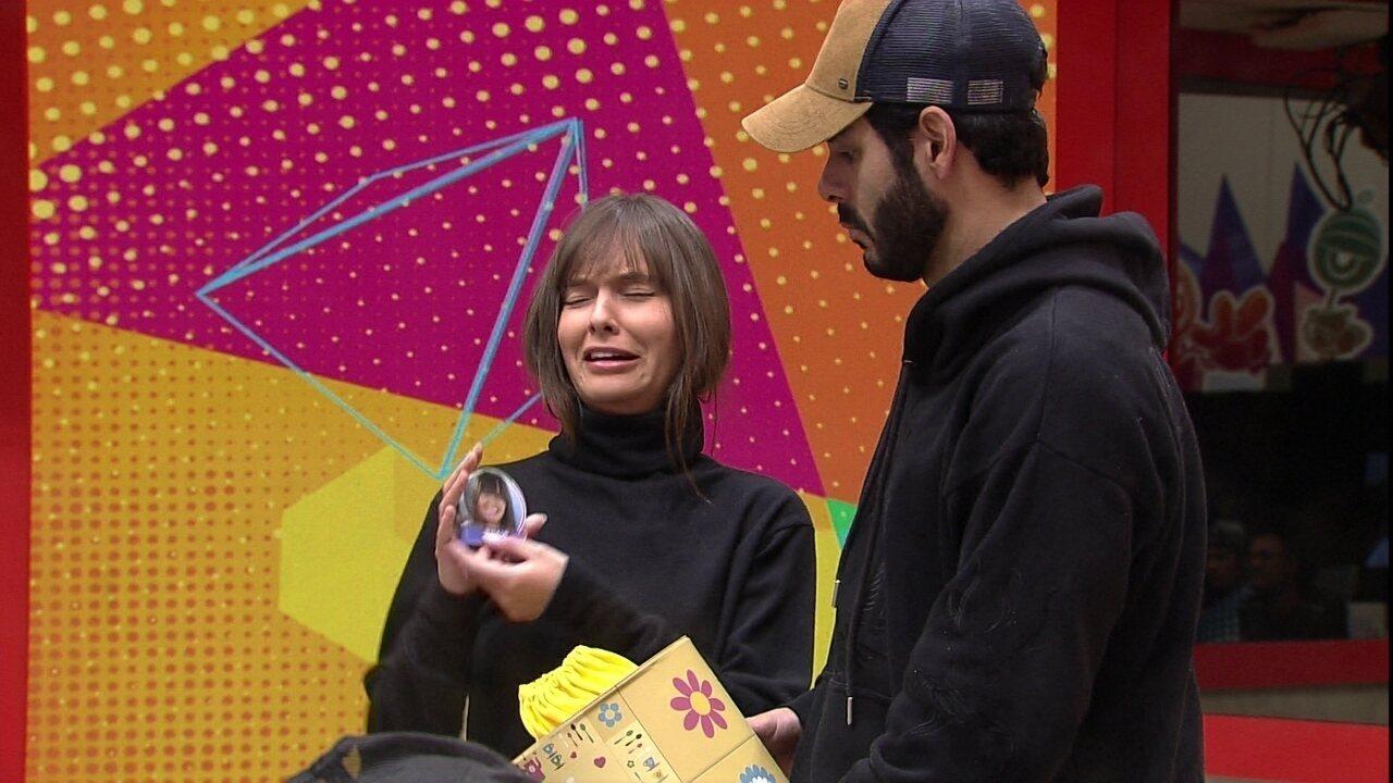 Lucas Penteado e Thaís são sorteados para as compras do grupo Xepa