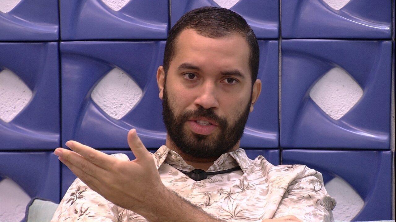 Gilberto avalia Jogo da Discórdia: 'Tiveram uns sabonetes'